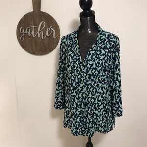Two by Vince Camuto hummingbird button up blouse